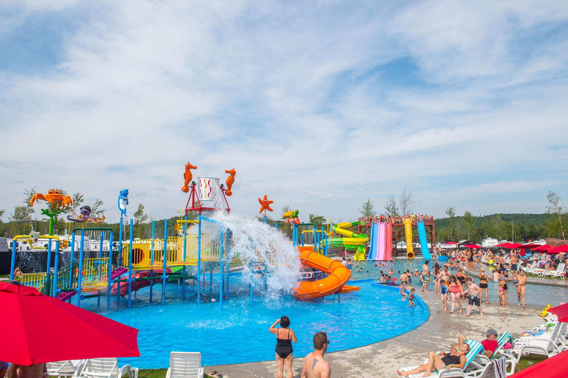 http://www.familycampgrounds.ca/wp-content/uploads/2016/12/jeux-deau-parc-aquatique-atlantide.jpg